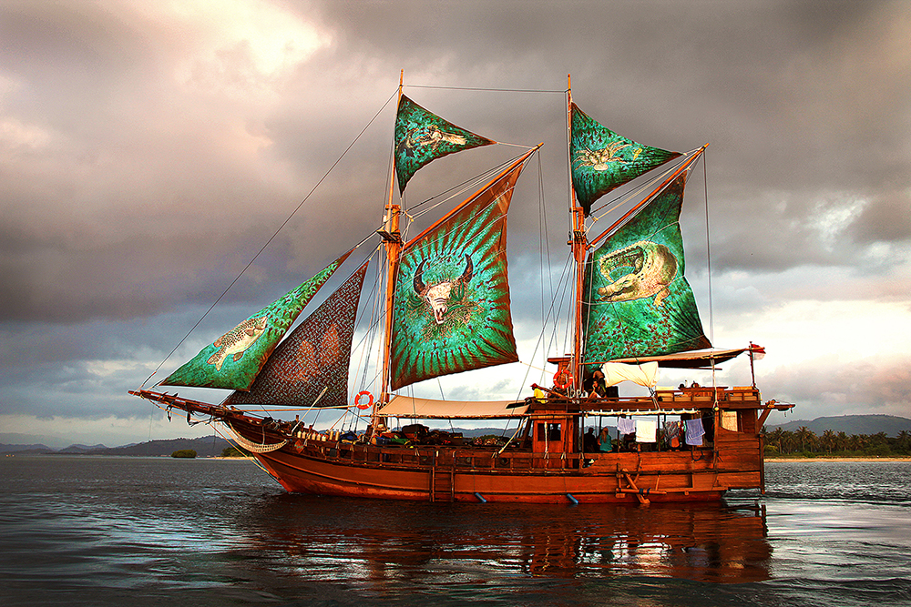 Maccini Sombala (Seeing Sails)