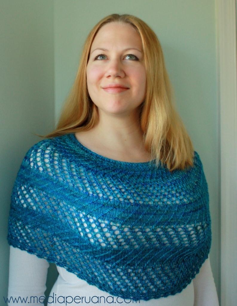 MIraflores cowlet knitting pattern by Kristen Jancuk, MediaPeruana Designs