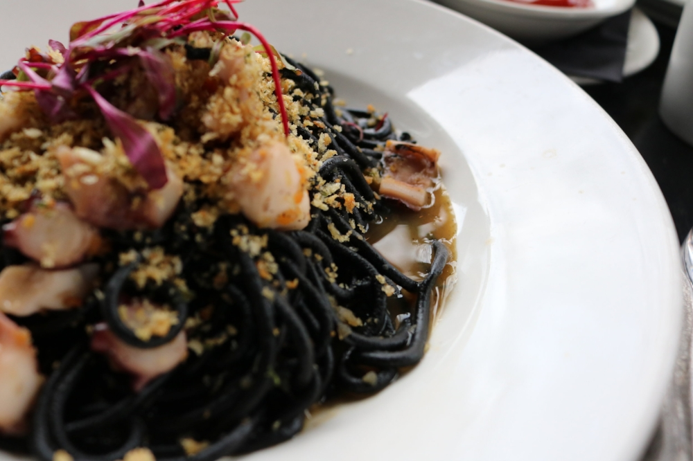 Black Spaghetti with Octopuss & Breadcrumbs