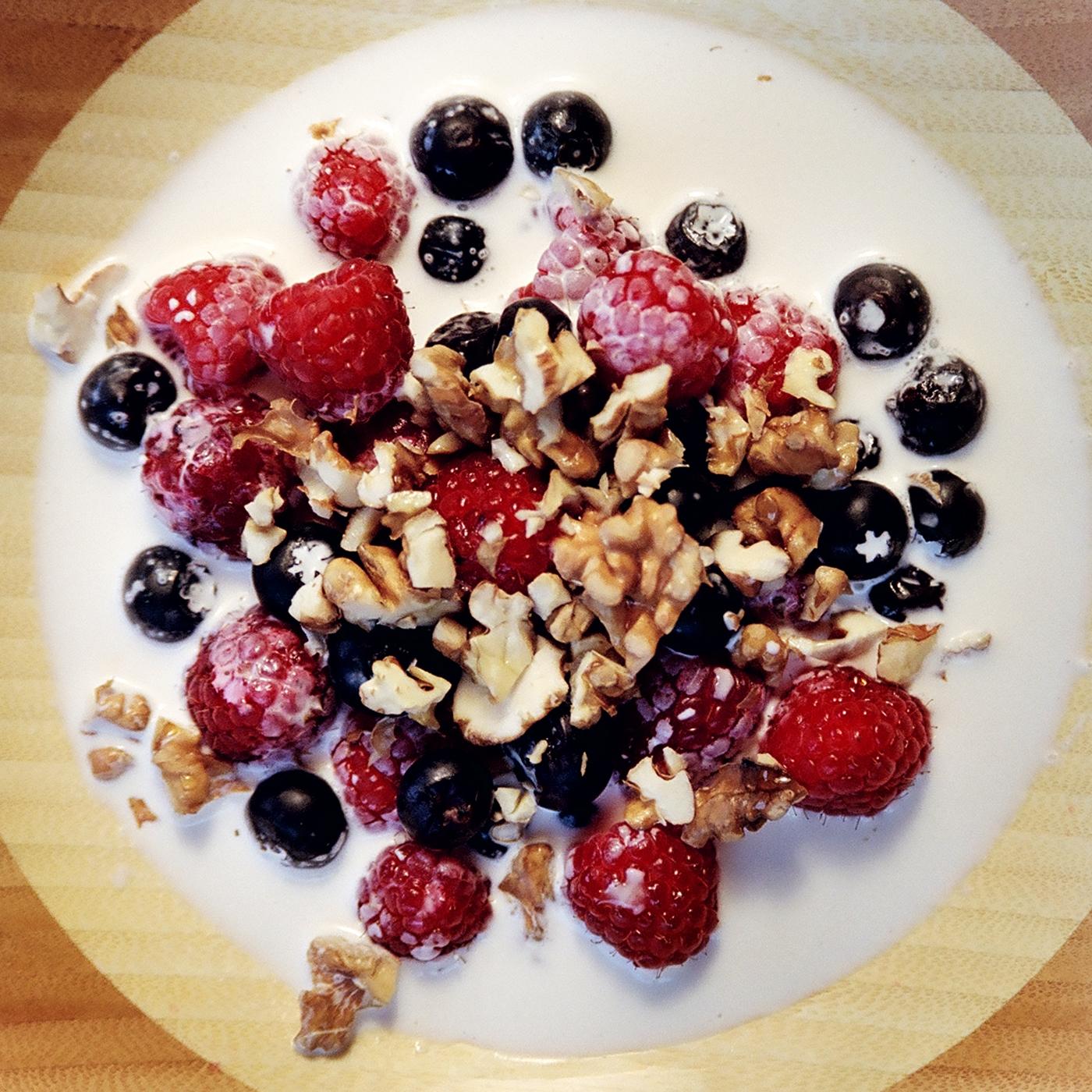 berries_cream.jpg