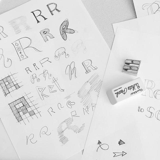 15/52 — Practice Messy . . . #abmlifeisbeautiful #handlettering #exploreeverything #finditliveit #folktravel #lifeofadventure #livethelittlethings #livefolk #mybeautifulmess #typography #nothingisordinary #pnw #seattle #thehappynow #thatsdarling #thevisualcollective #visualsoflife #wanderfolk #practice #sketch #lettering #letter