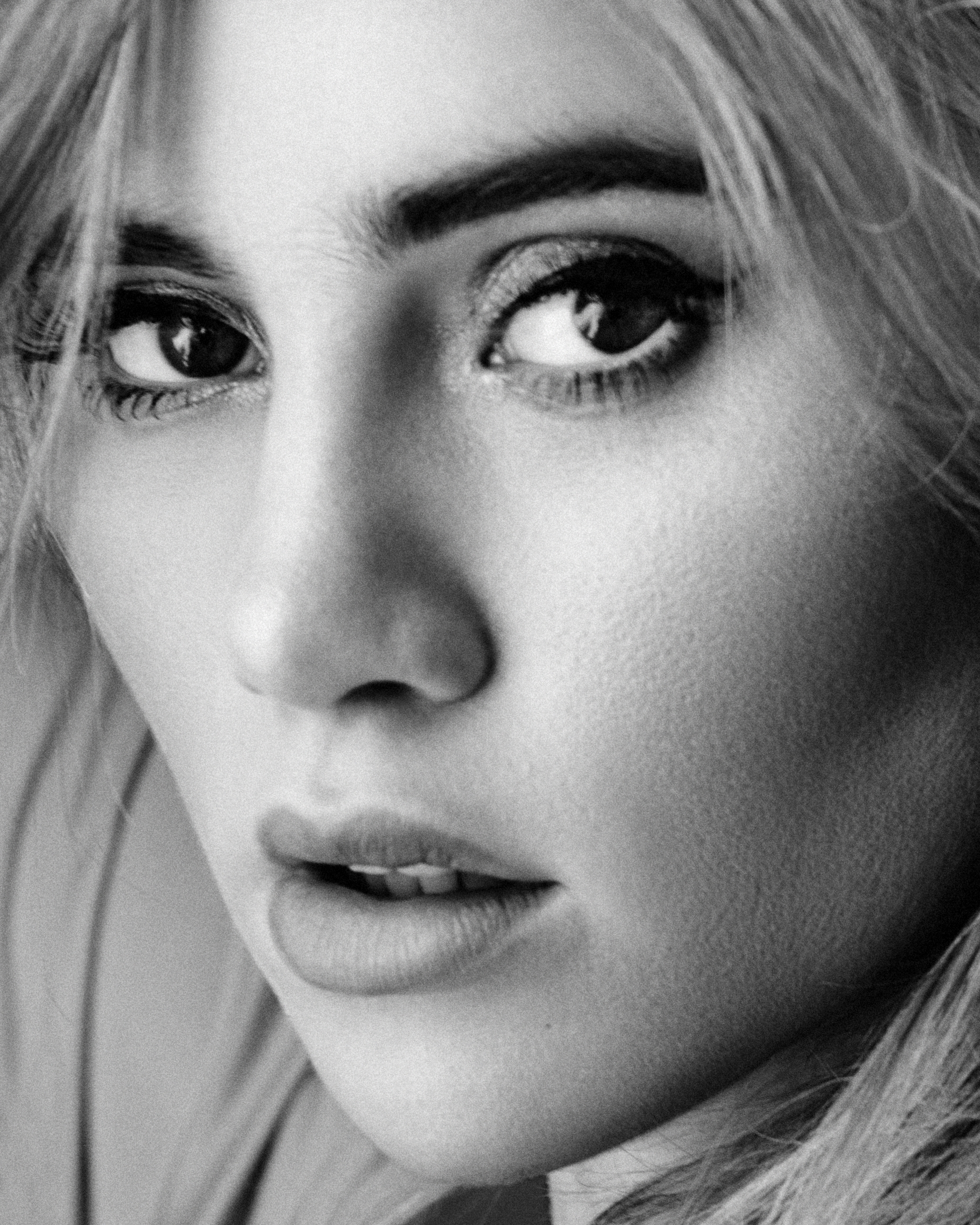 Suki_Waterhouse_by_Anthony_Goblé.jpg