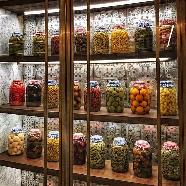 Someone has been on a pickling spree at Aila Istanbul, the signature Turkish restaurant @fairmontquasaristanbul #travel #turkey #istanbul #turkishfood #pickles #finedining @culturedtraveller #culturedtraveller @ailaistanbul