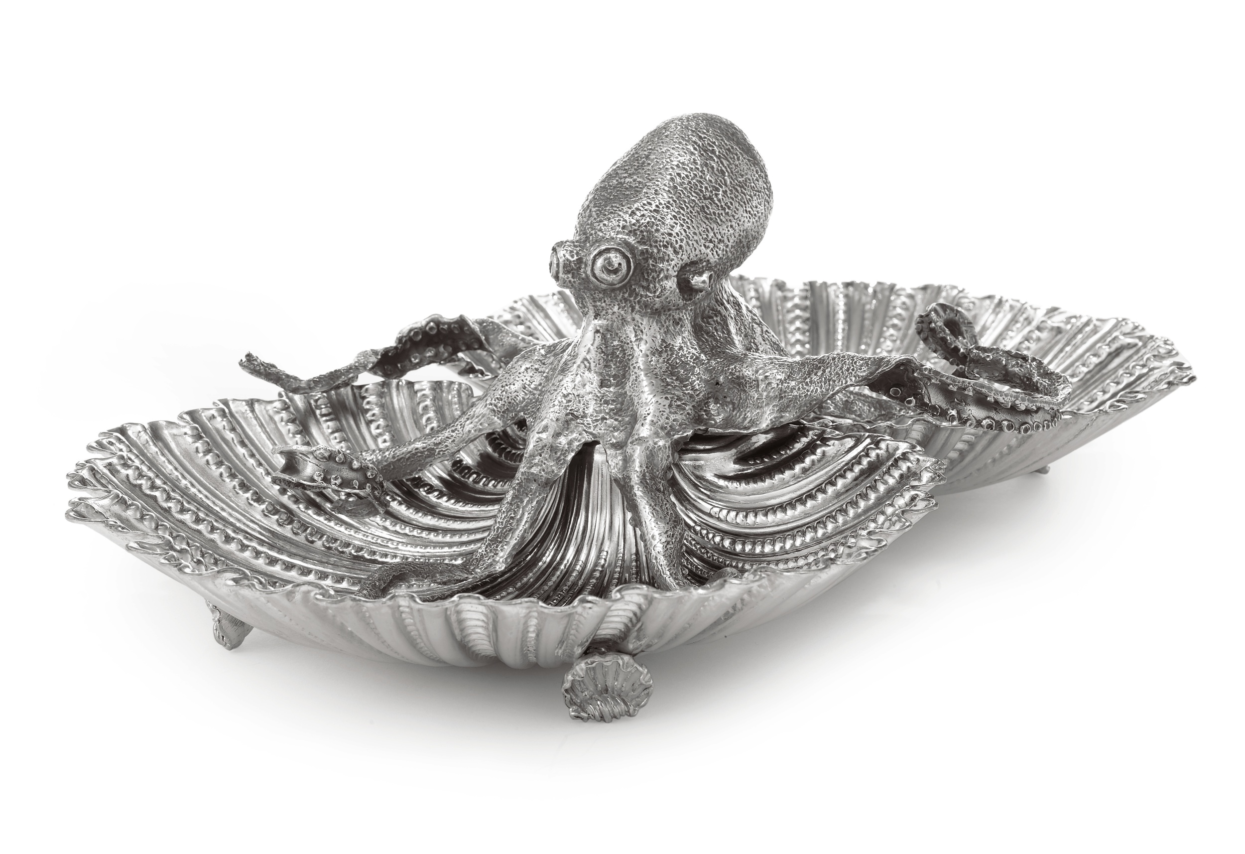 A Buccellati dish sold at Sotheby's