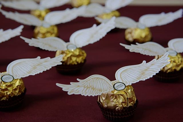 Dressed to impress. You want some?  #lasercutting  #lasercutpaper  #chocolate  #tablesetting  #tabledecor  #lasercutdesign  #laserwings