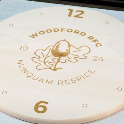 laser engraving - wooden clock - dot laser.jpg