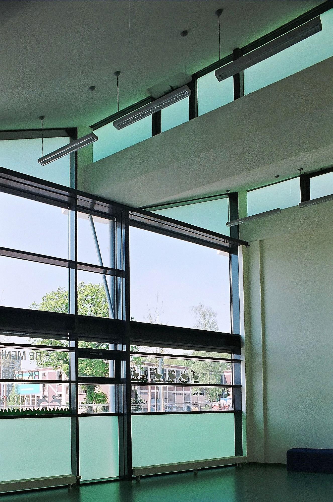 07-menko-29940002_double height room.jpg