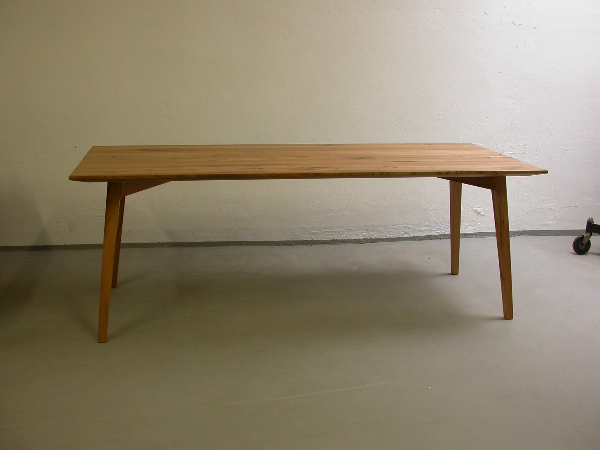 Tisch Olise