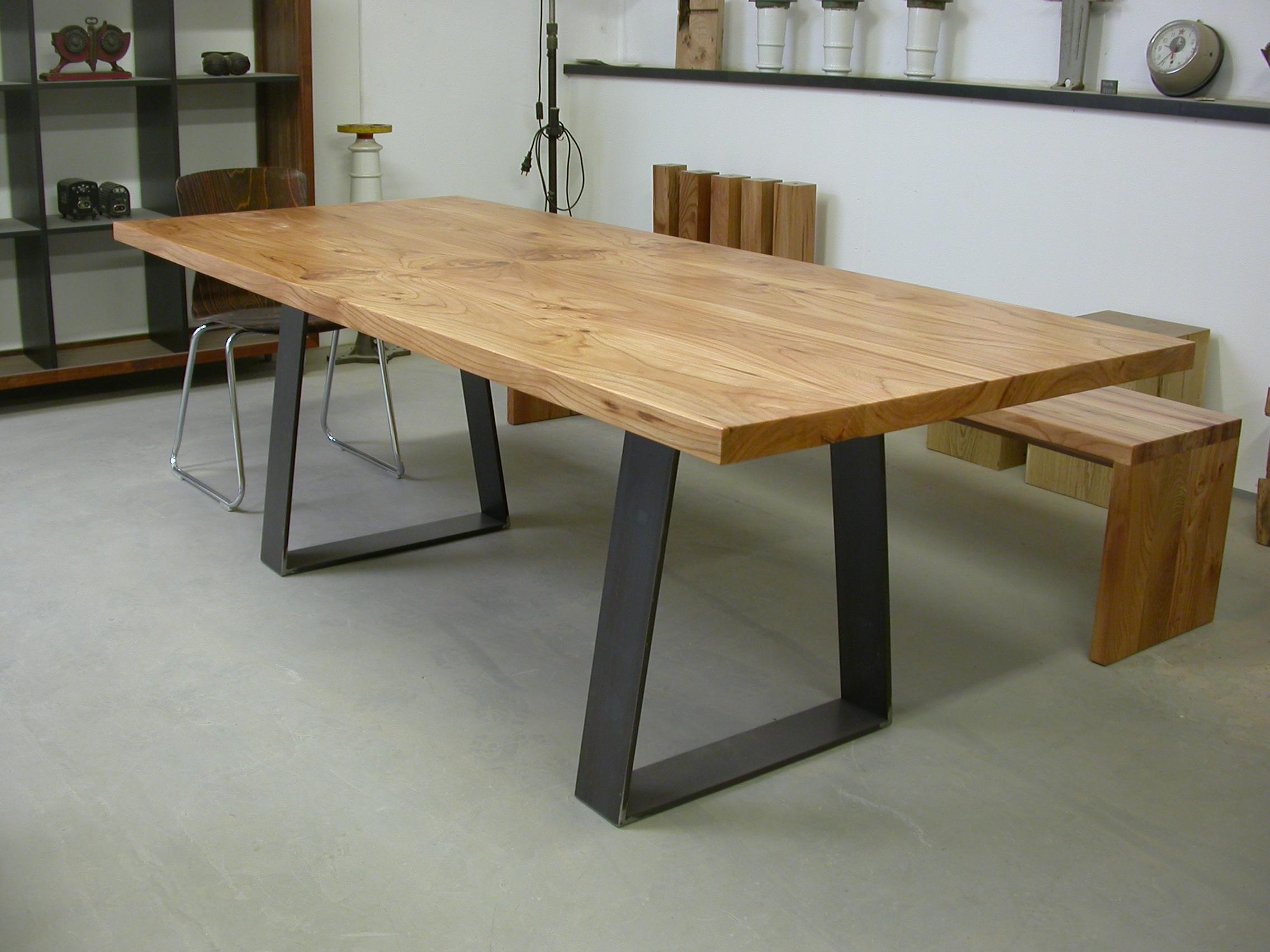 SID auf Rüster und Stahl 220 x 90 cm 1650 Euro inklusiv 19 % Umsatzsteuer Dieser SID ist verkauft!
