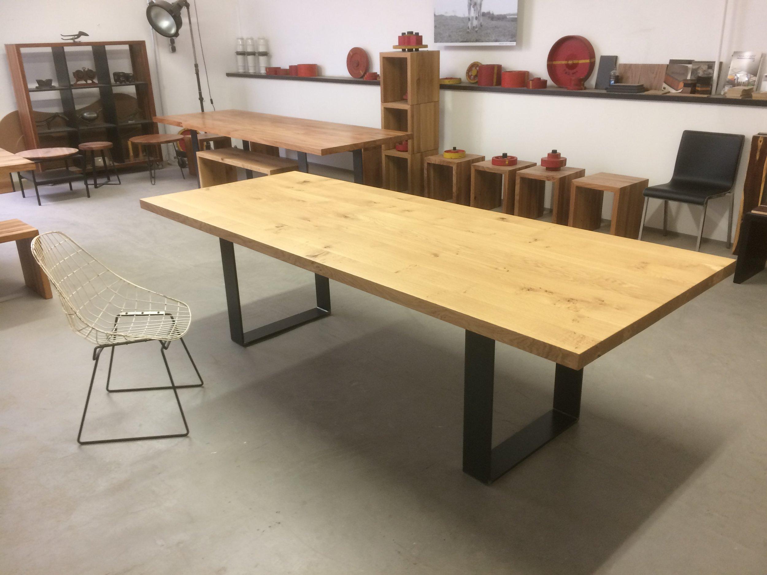 Kufentisch Oscar im Showroom Aachen