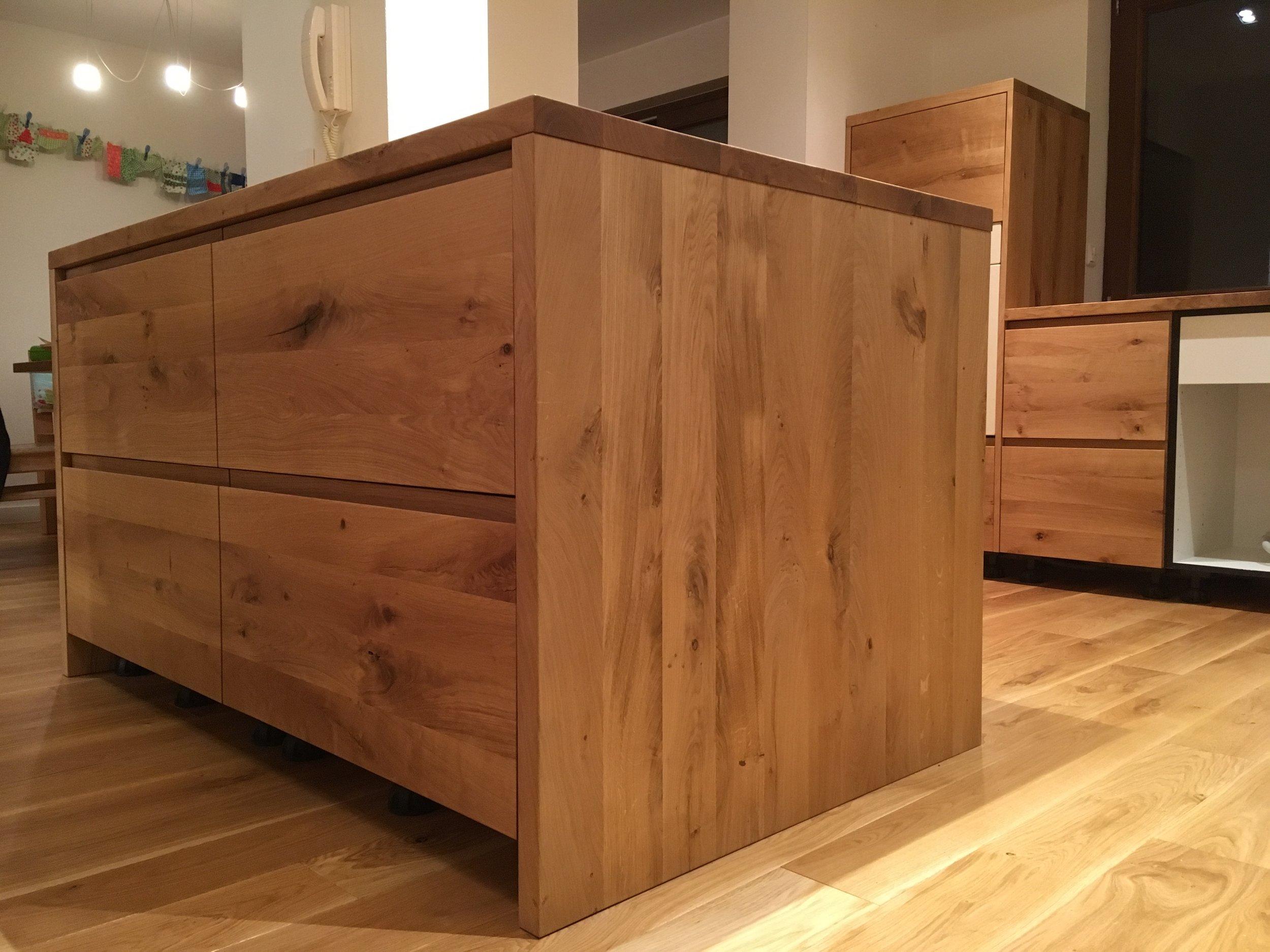 Küchenblock aus Asteiche.