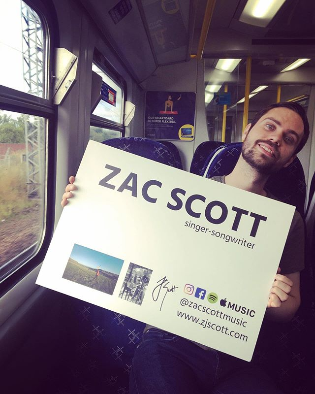 Ta-dah! Both for managing to hold a sign and for navigating through the many cancelled trains to Edinburgh to eventually get on a moving one! See ya soon! 🎶🎵🏴🇮🇸🎻🎤 #singer #songwriter #newmusic #busking #stgilescathedral #scotrail