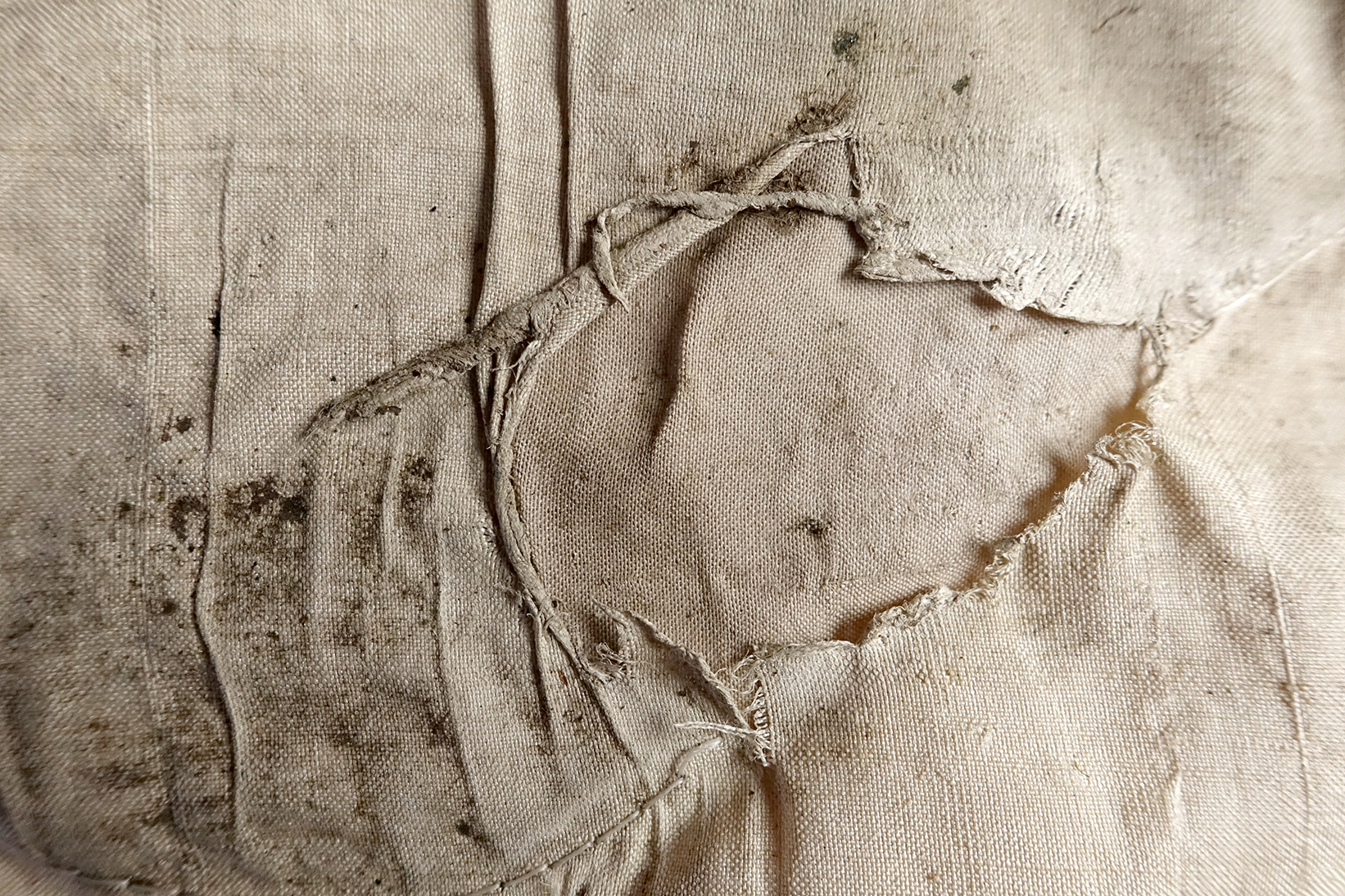 Ellen Sampson Cloth #7 2013.jpg