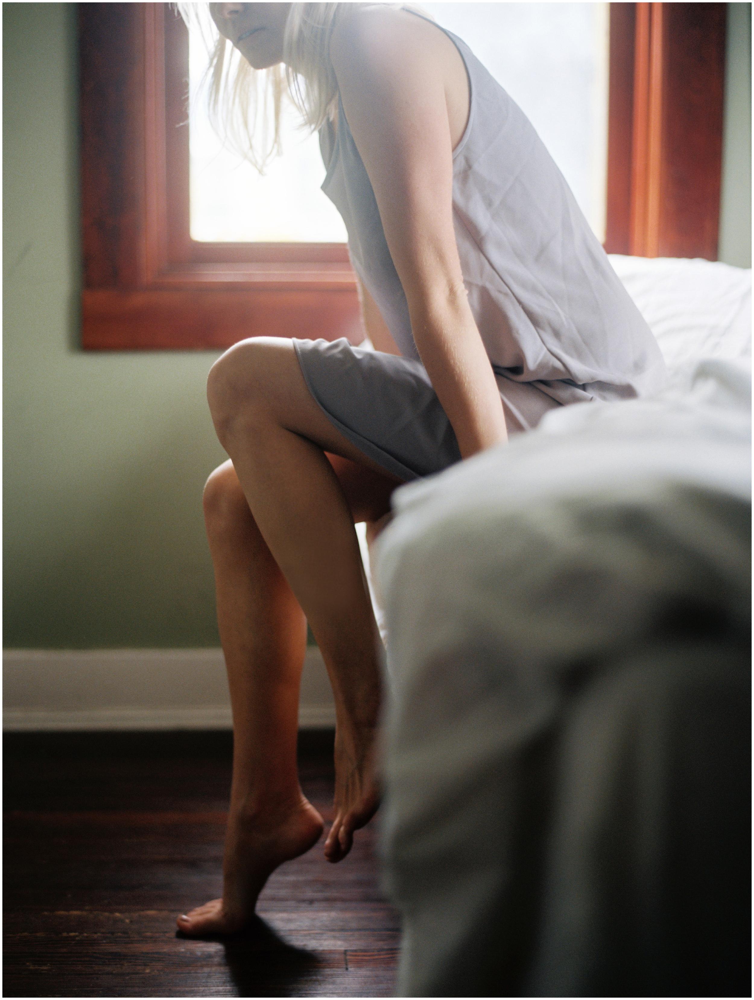 boudoir film light bedroom heritage home_0801.jpg