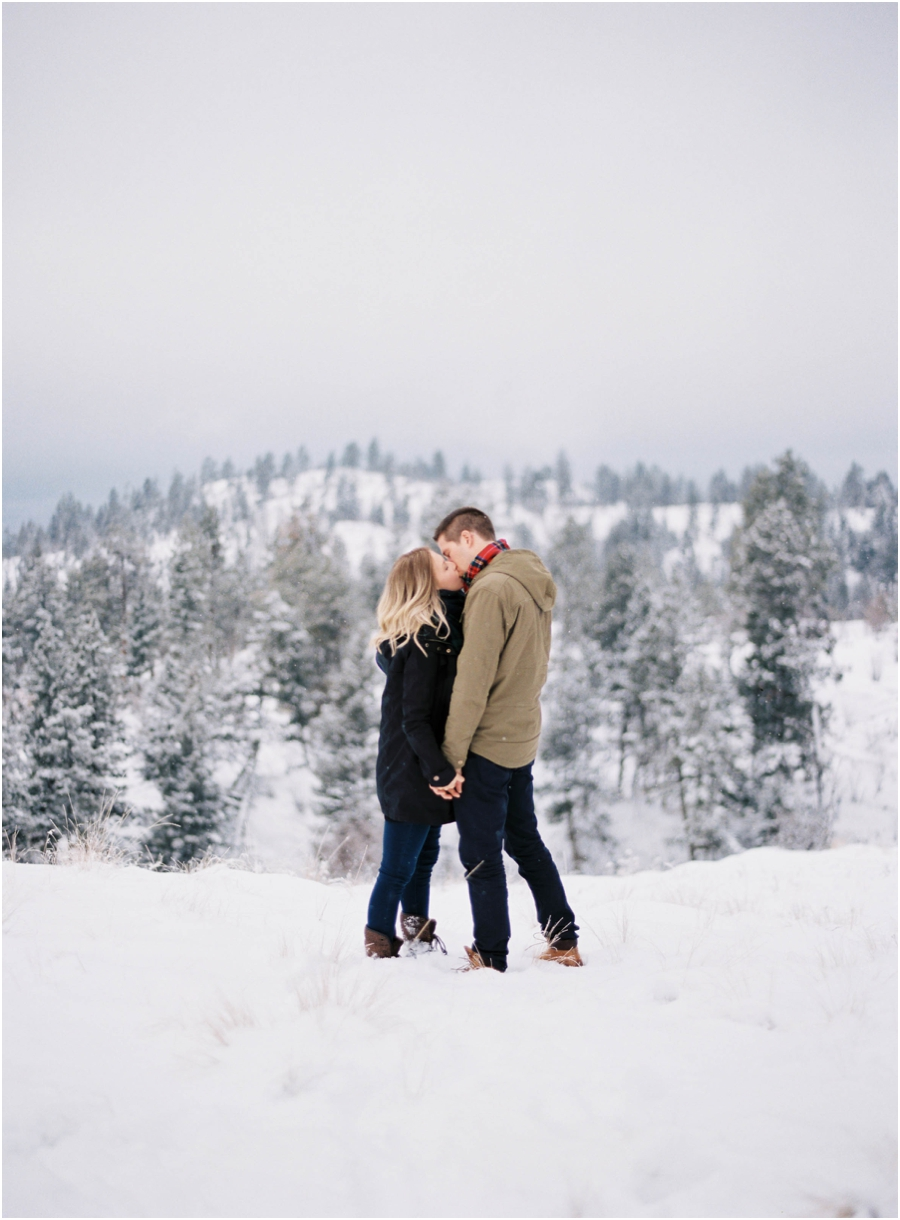winter engagement photographer_0622.jpg