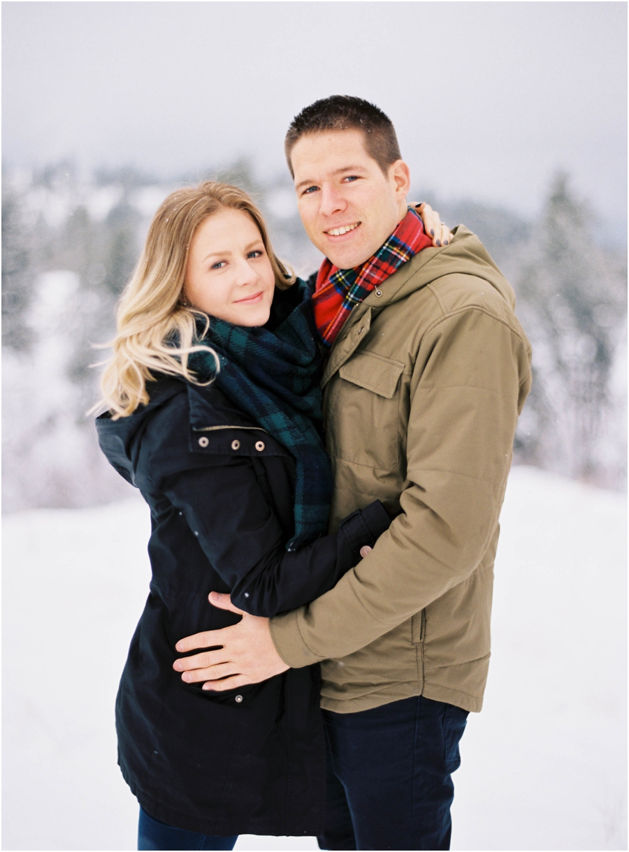 winter engagement photographer_0621.jpg