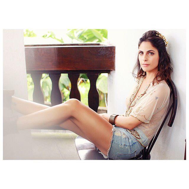 • Editorial • #editorial #jakelechi #belezareal #ensaiofeminino #tulacasqueteria #natural #moda