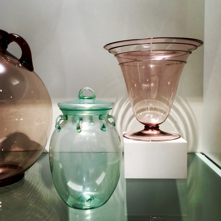 This charming lidded green vase was designed by Vittorio Zecchin, circa 1925