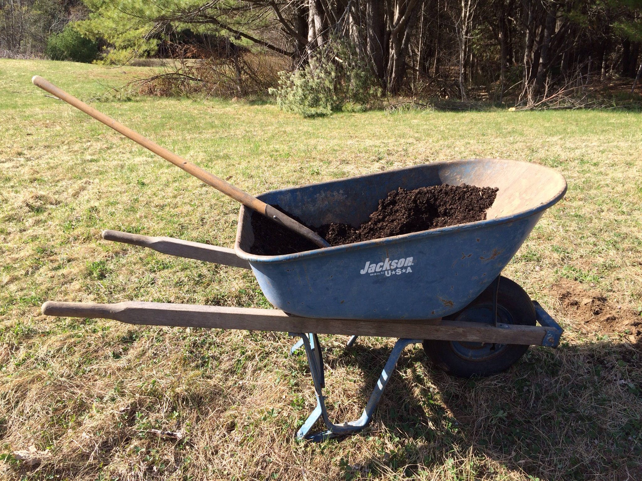 Gratuitous wheelbarrow shot.