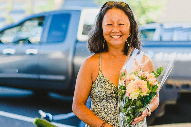J&D Farm - J&D Farm sells lei and cut flowers, asparagus, succulent gardens, zucchini, Christmas cactus and now offering Hamakua Mushrooms.Joey and Donna MahWaimea | 808 936-0536leiflower@hawaii.rr.com