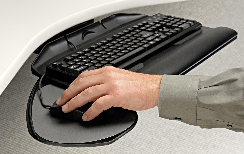 Workrite-Banana-Board-Hand-on-keyboard.jpg