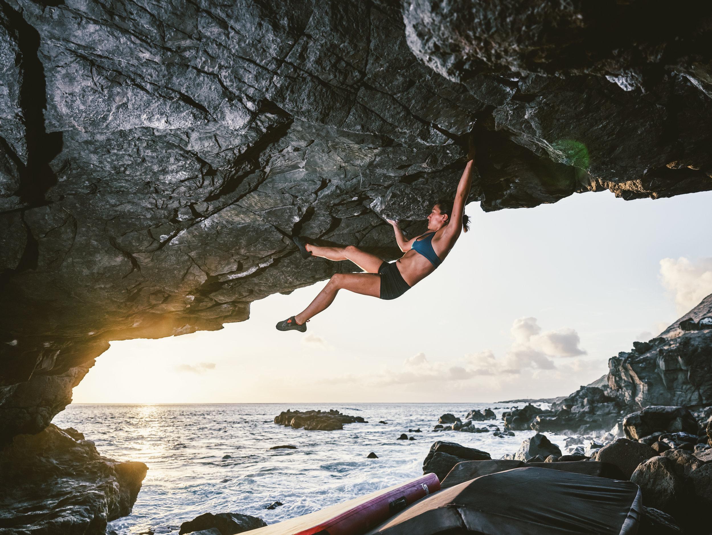 Rock climbing - bouldering Arch