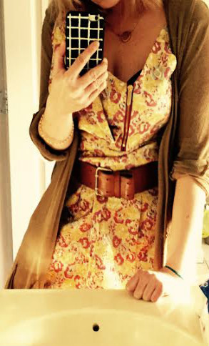 Dress: Zac Posen, Belt: Express, Necklace:H&M, Cardigan: bordeaux (Anthropologie)