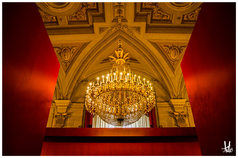Chandelier-Palazzo Pitti-Florence.jpg
