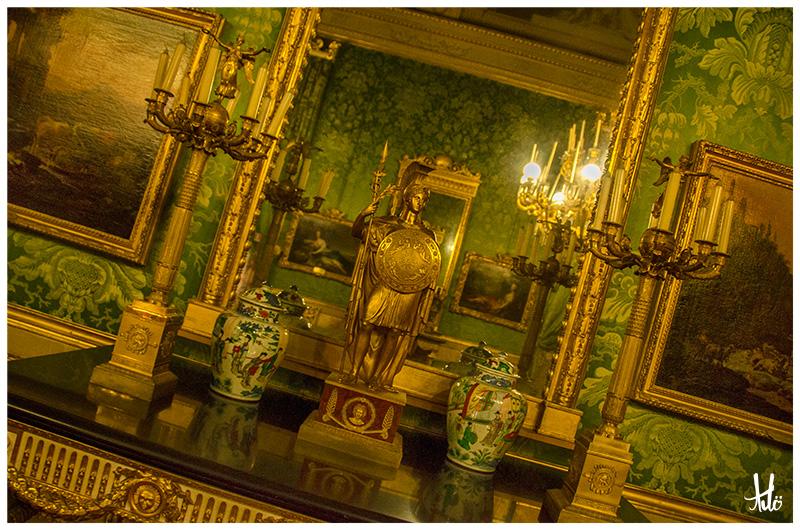 Palazzo Pitti-Room-Florence.jpg