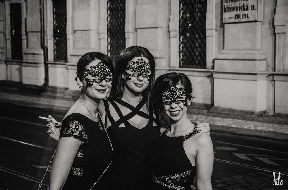 Prague-Ladies.jpg