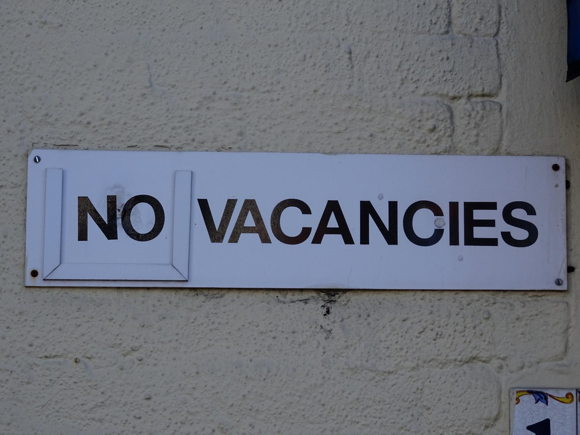 hotel-no-vacancies-notice.jpg