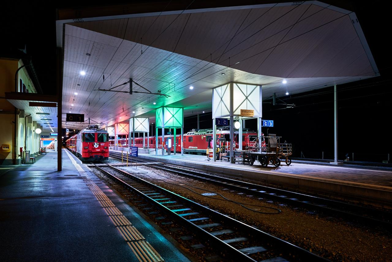 Disentis Bahnhof 5sec @f/11 ISO 64