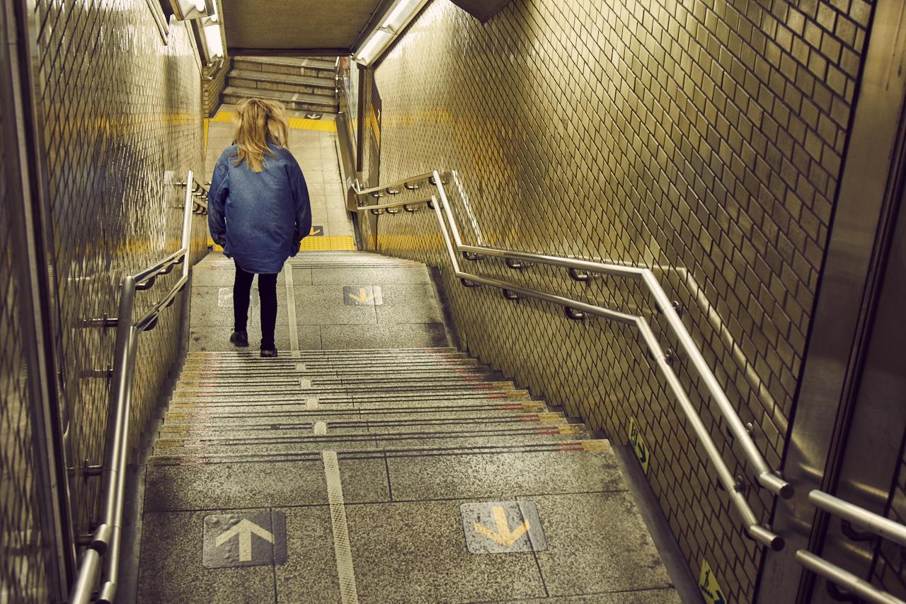 Matilda is entering the golden station.