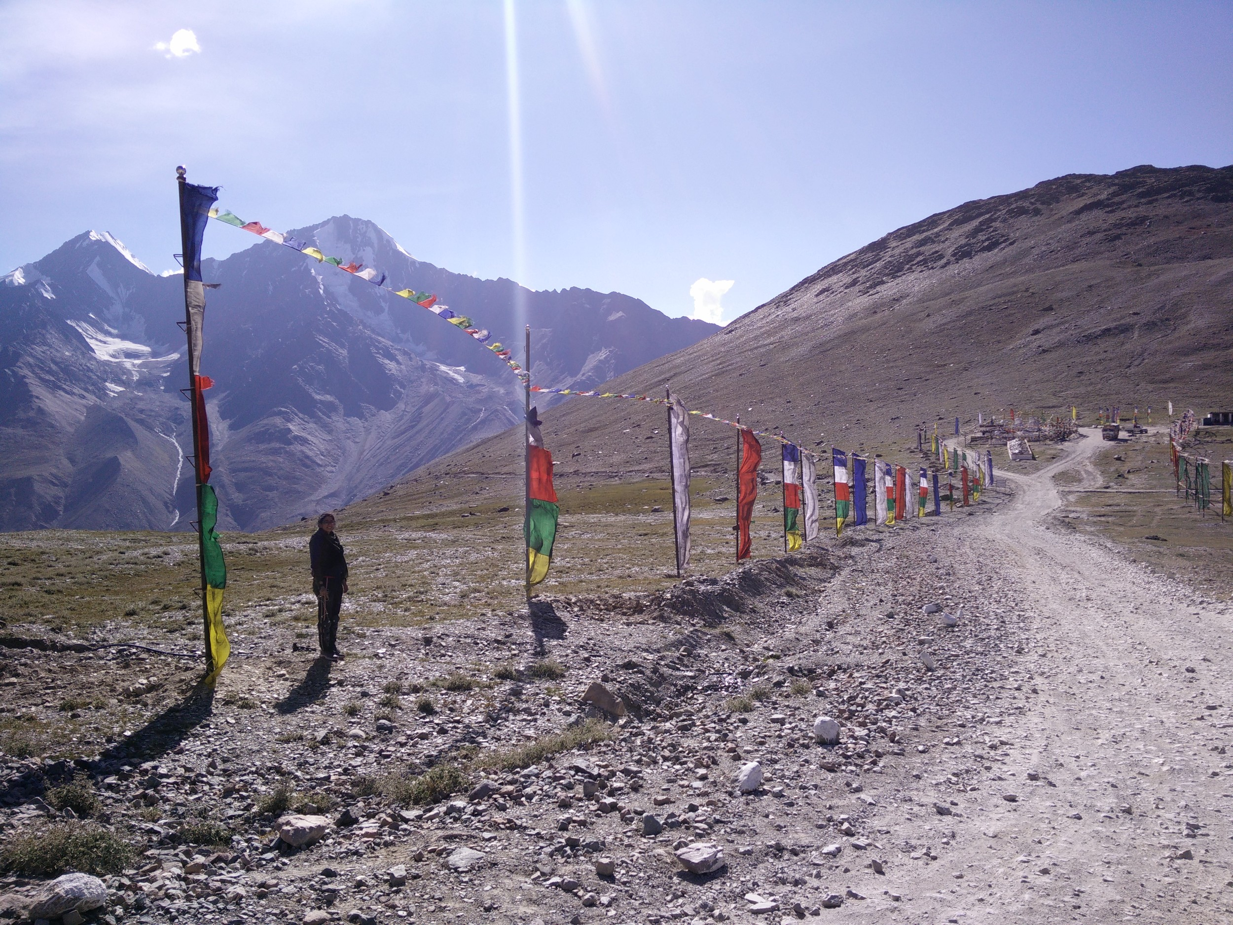 Human flag at Kunzum Pass