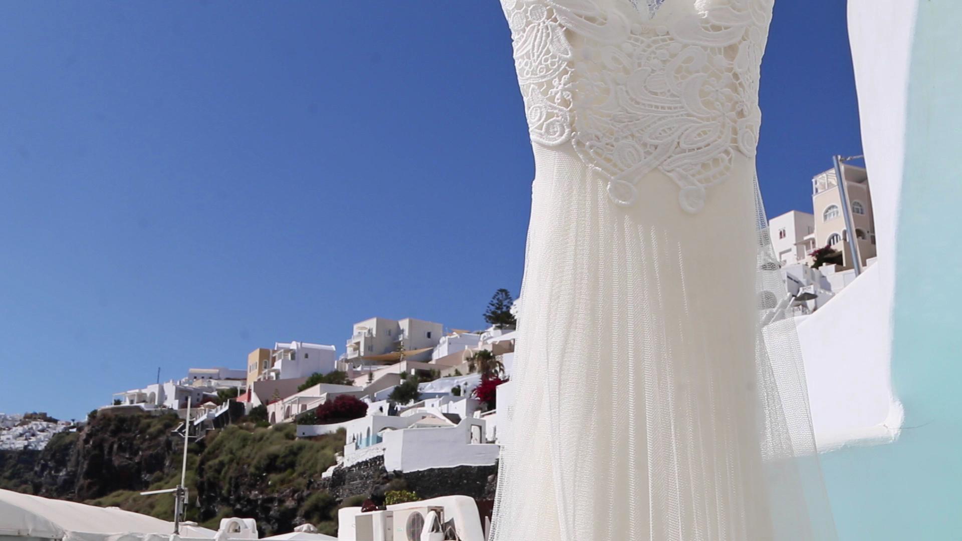 Wedding Videography Santorini - Wedding Dress