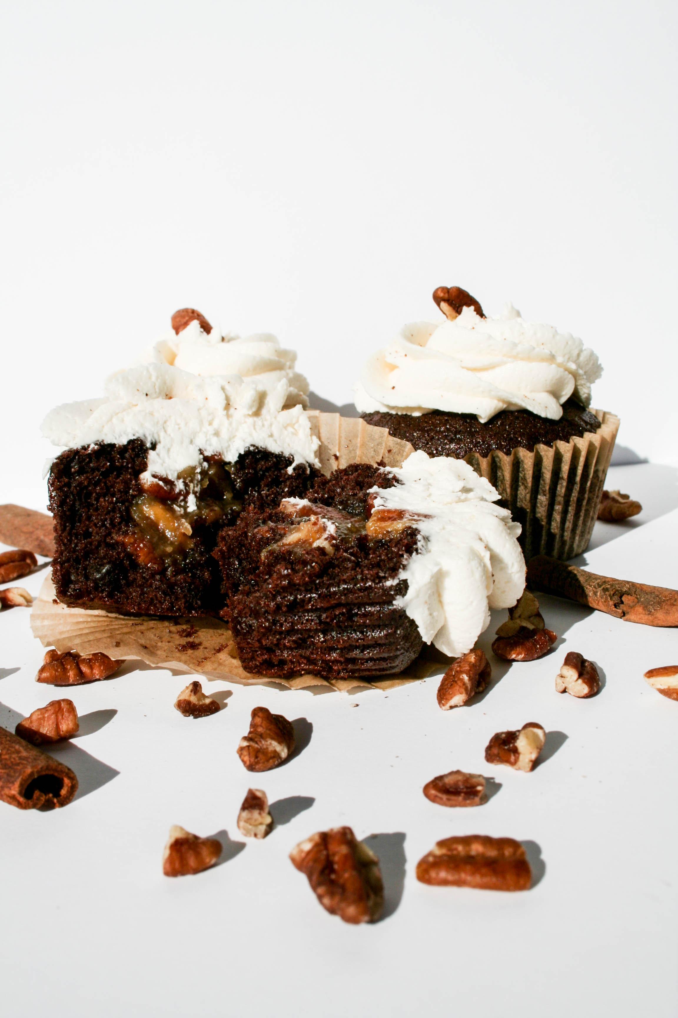 Pecan pie-filled cupcakes