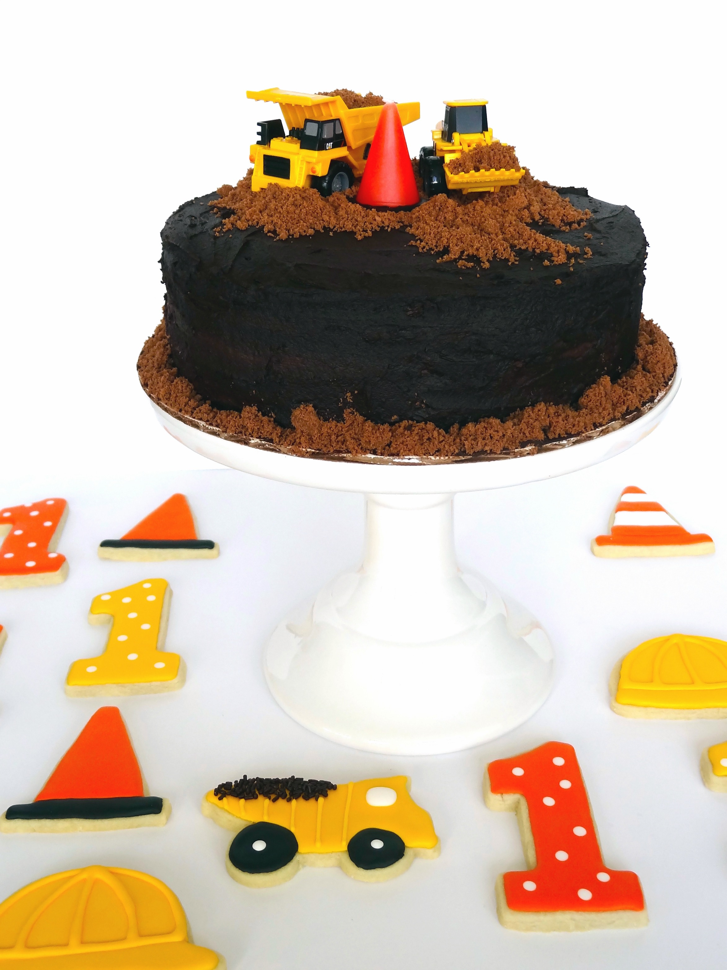 Construction-themed smash cake & sugar cookies