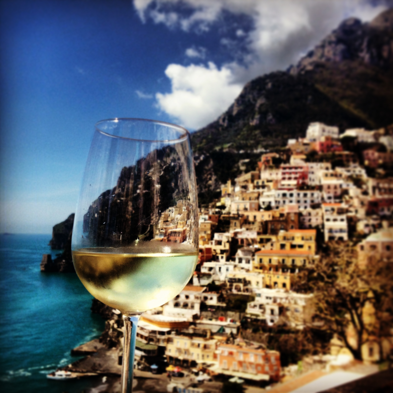 Sipping wine on the Amalfi Coast photo credit juliarosearmstrong.wordpress.com