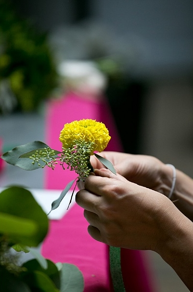 DIY bouquets and boutonniers workshop (10).jpg