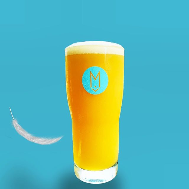 PILLOWY MELLOWS 🚨🚨🚨 DDH DIPA 8.0% floats into the Lounge TODAY!! Galaxy hops! Mosaic hops!! Pillows and mellows!! We open at 4pm. No limit on crowlers. #feathers