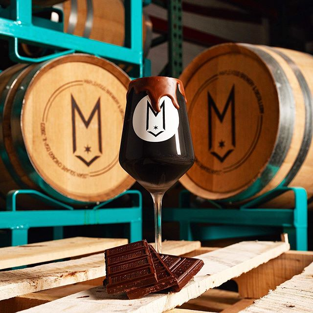🍫BARREL AGED Morbidly Obese Pug🍫 on tap TODAY at 3PM at the Lounge! Aged in our own Fat Pug Whiskey barrel for 14 months and then dosed with chocolate and vanilla. Why not celebrate Summer Solstice with a big dark stout?! On premise consumption only (no to-go). #summersolstice