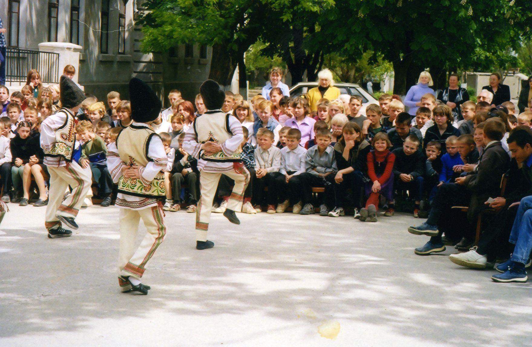 2004-Ochakov_Concert-Event_06-compressor.jpg
