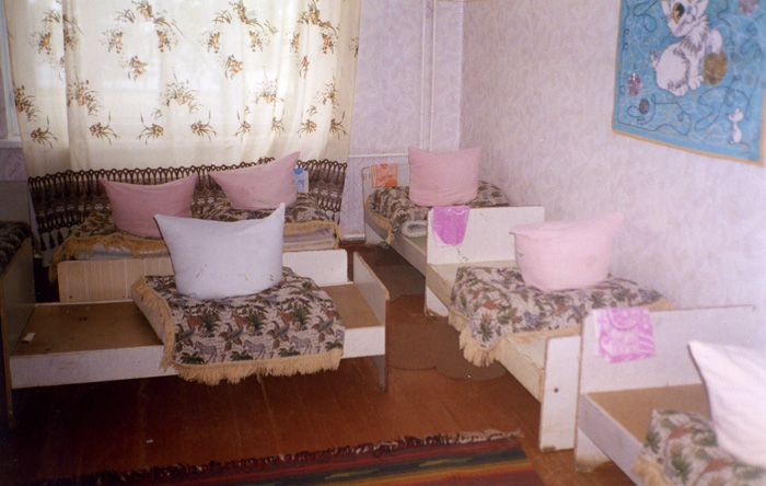 2004 Ochakov Orphanage_5.jpg