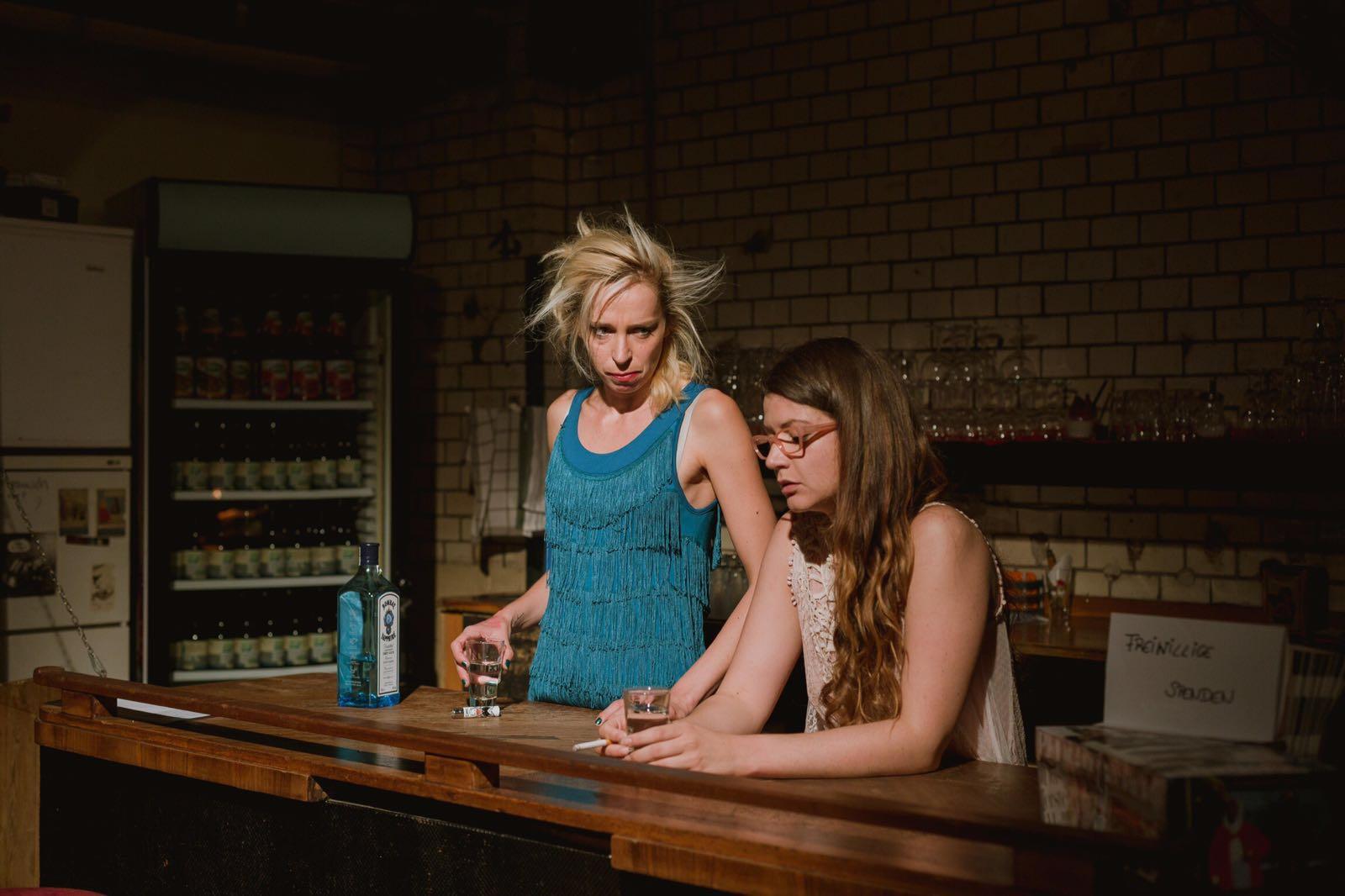 """….mit Trine Behrens beim ersten Protagonistinnen Abend """"Same Same Not Different"""" in der Fabriktheater Moabit im Sommer 2016 in Berlin. (Copyright by Doreen Geyer)"""