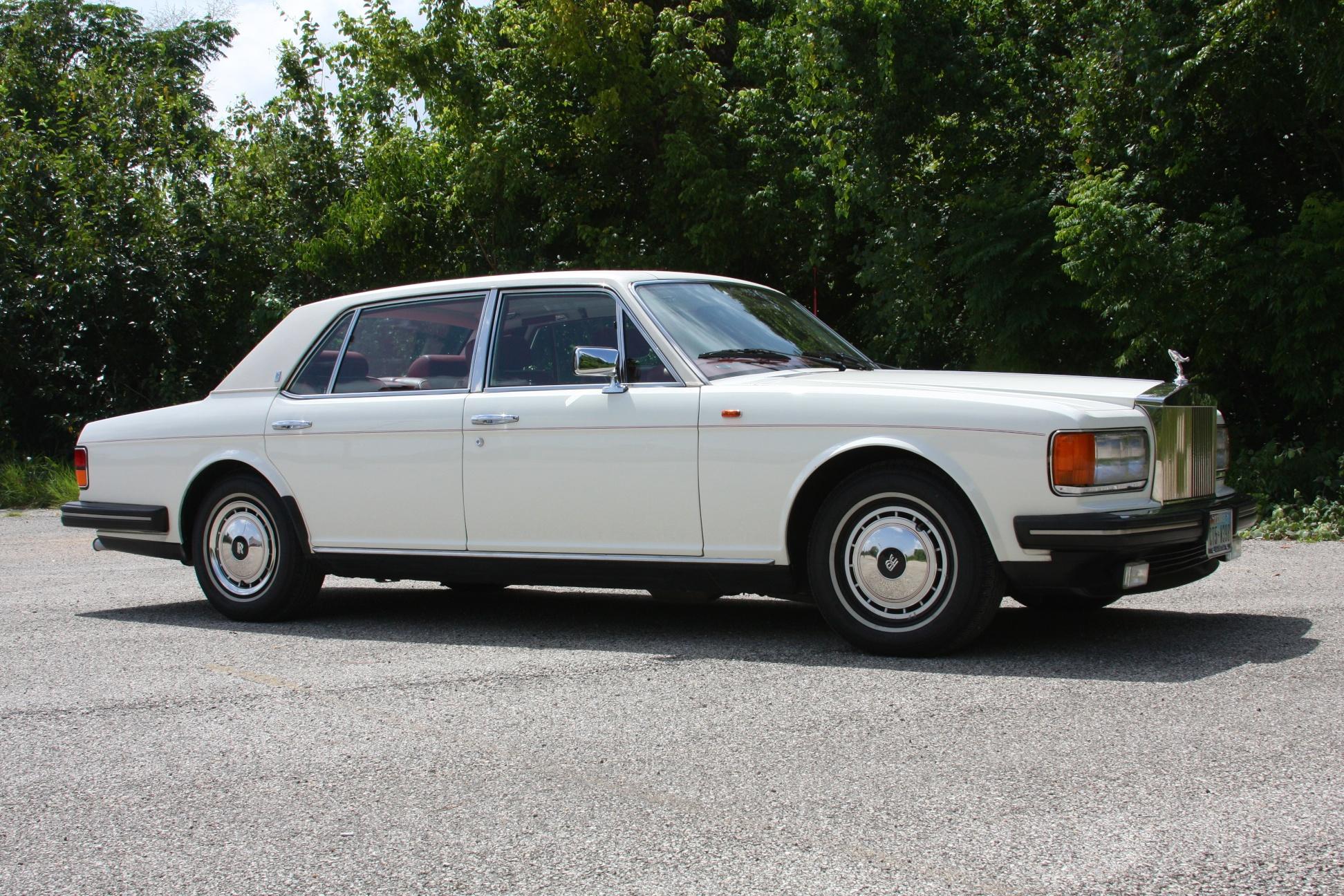 1991 Rolls-Royce Silver Spur II (MCX34449) - 01.jpg