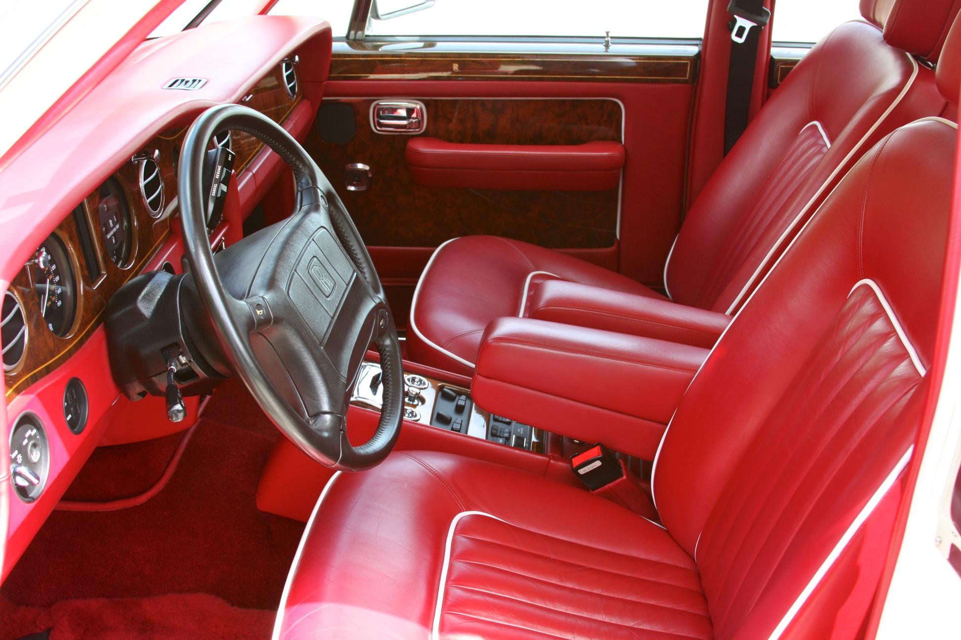 1991 Rolls-Royce Silver Spur II (MCX34449) - 15.jpg