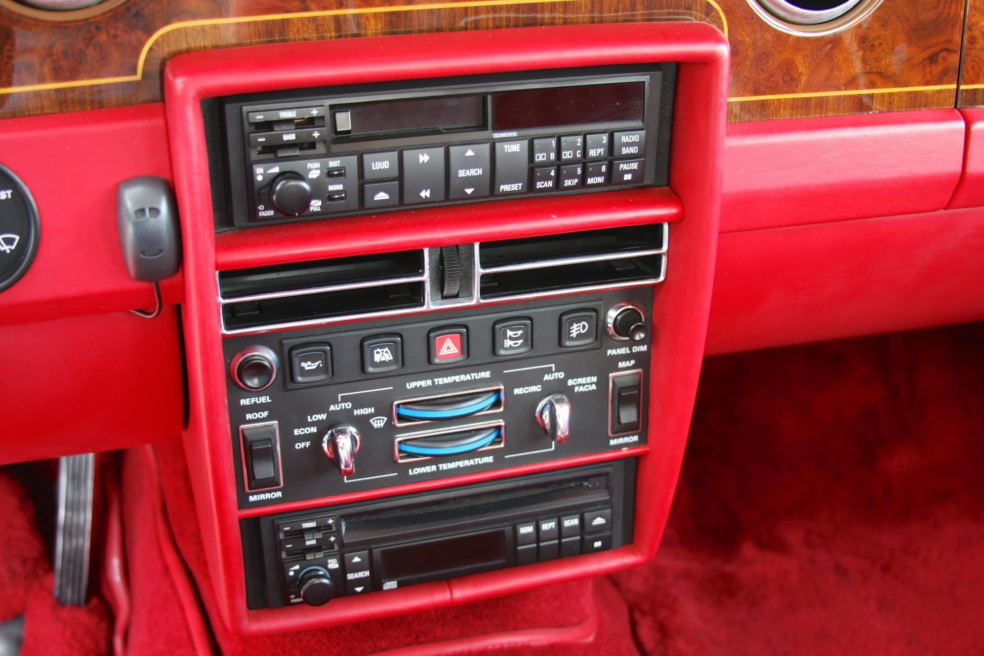 1991 Rolls-Royce Silver Spur II (MCX34449) - 17.jpg