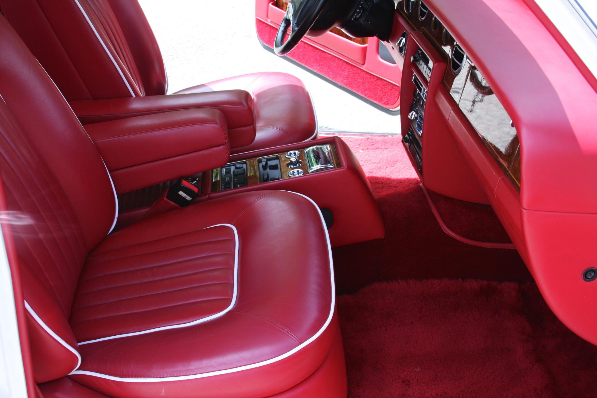 1991 Rolls-Royce Silver Spur II (MCX34449) - 21.jpg