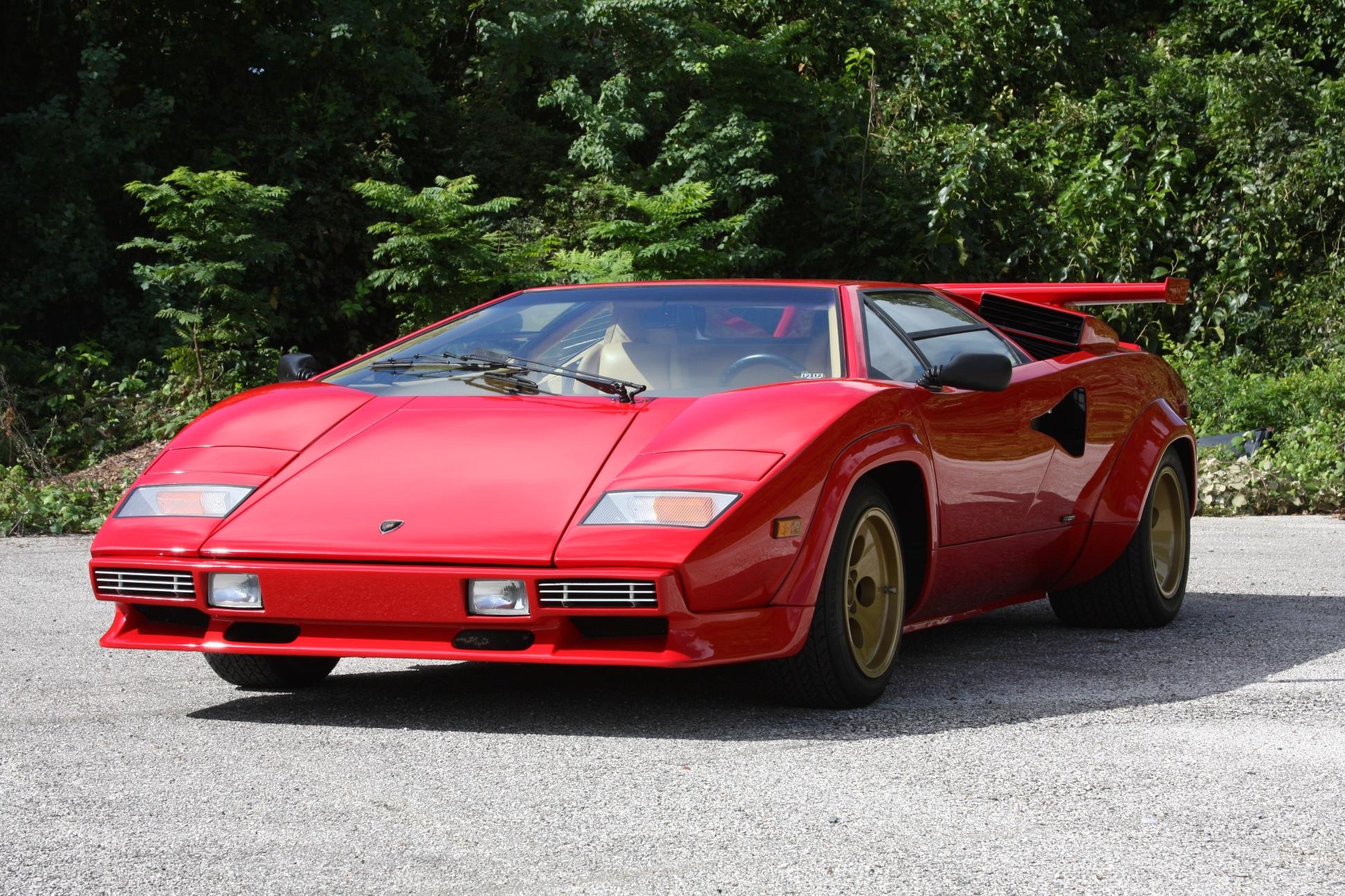 1983 Lamborghini Countach (CLA12540) - 03.jpg