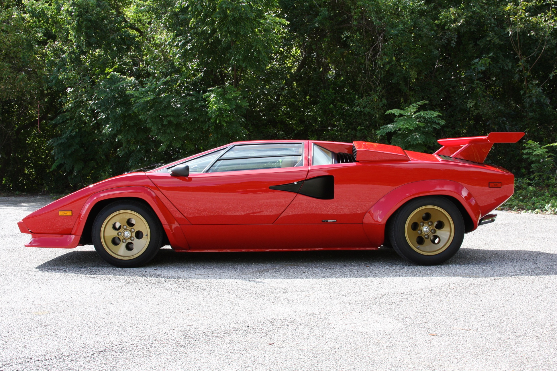 1983 Lamborghini Countach (CLA12540) - 05.jpg